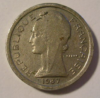This is a vintage Public Telephone Token used in France in 1937. It